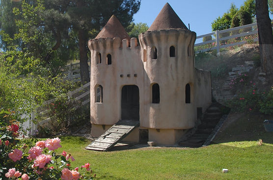 Castle%20full%20shot%20with%20flowers_ed