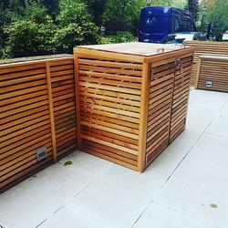 #cedar #binstore #wheeliebin #wheeliebinstore #garden #bespoke #london #gardendeco #gardendesign #lo