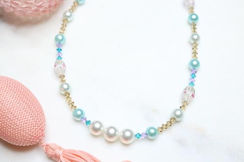 necklace, jewelry, fashion accessory, costume jewelry, beaded necklace, pearl necklace, crystal necklace, statement piece