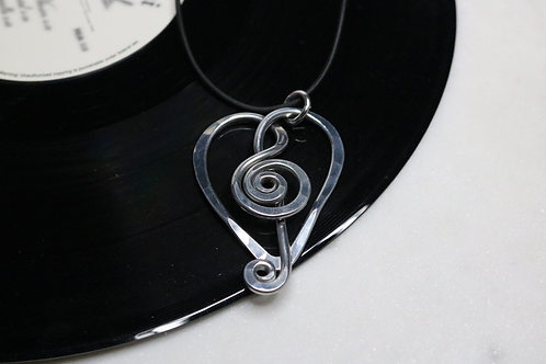 pendant, silver pendant, music pendant, musical pendant, ladies jewelry, online jewelry, costume jewelry, necklace,fashion