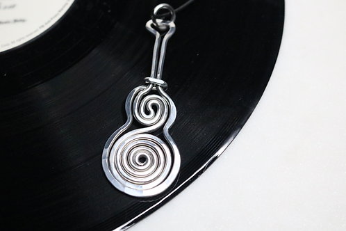 pendant, necklace, guitar pendant, guitar necklace, musical pendant, musical jewelry, online jewelry, costume jewelry,guitar