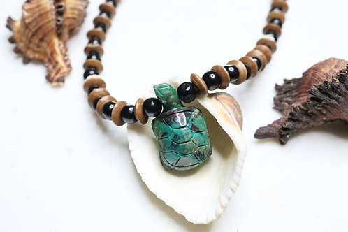 jewelry, necklace, pendant, turtle jewelry, turtle necklace, turtle pendant, costume jewelry, stone necklace, bead necklace,