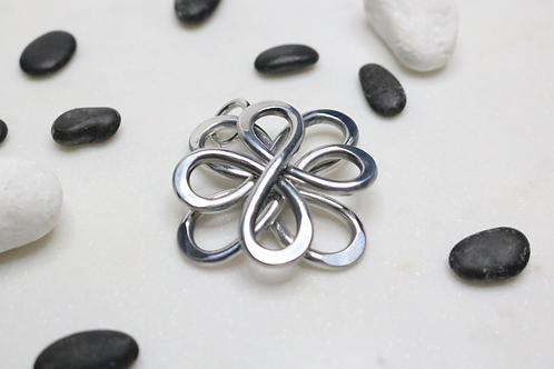 pendant, silver pendant, necklace, silver necklace, jewelry,online jewelry,costume jewelry,fashion accessory,statement piece