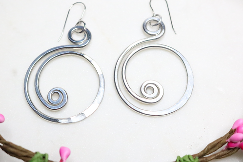 earrings, dangling earrings, silver earrings, aluminum earrings, costume jewelry, fashion accessory, silver jewelry