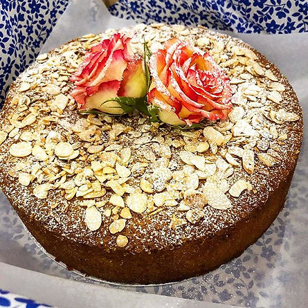 This Orange and Almond Cake! 🙀 #glutenf