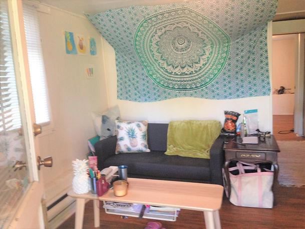 Cambie Oakridge Birdy House Ground Suite