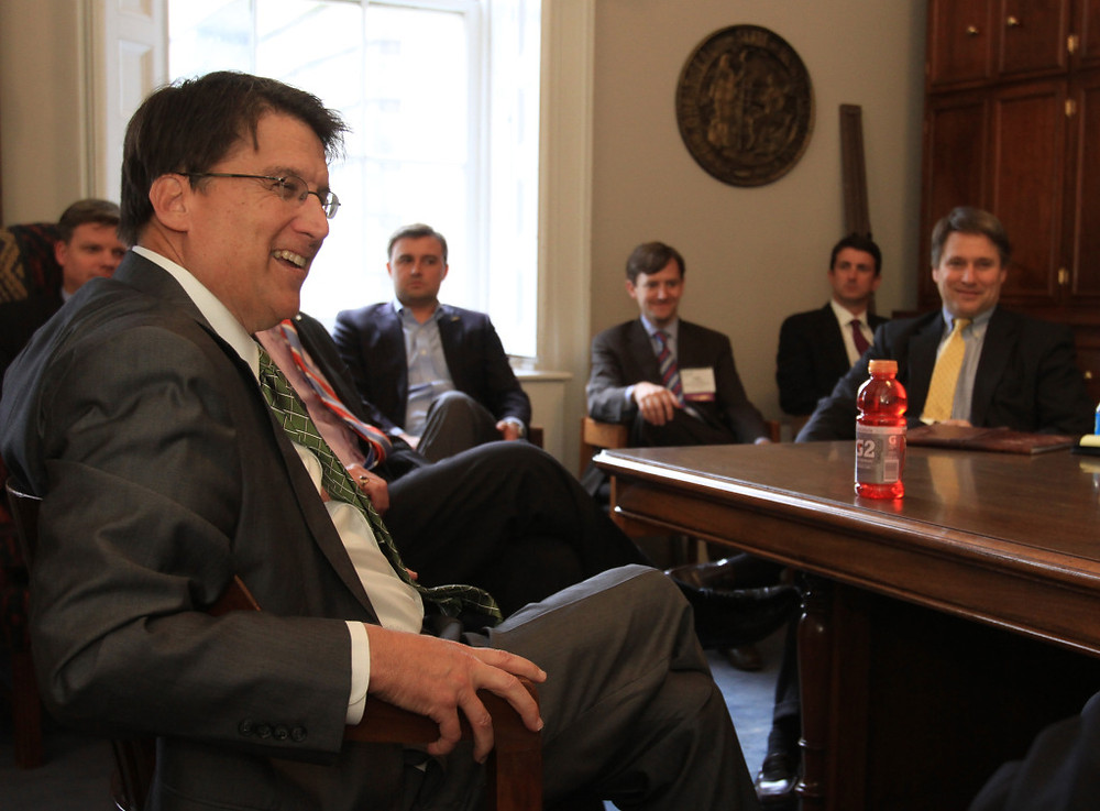 Governor Pat McCrory discusses economic development issues with NAIOP members from Charlotte, the Triad and the Triangle