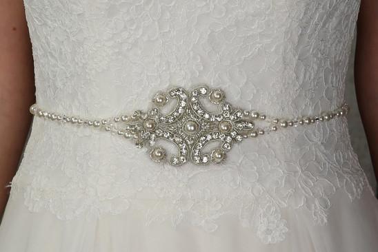 silver_sixpence--belts.47093f03.jpg