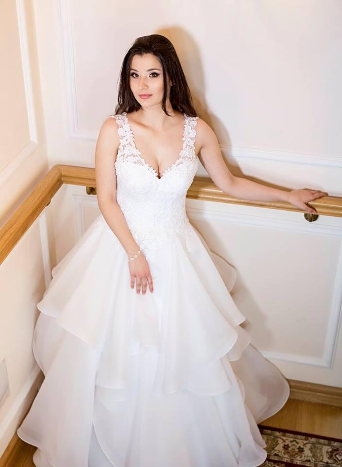 Suknia ślubne ADORA kolekcja BASILE model B11