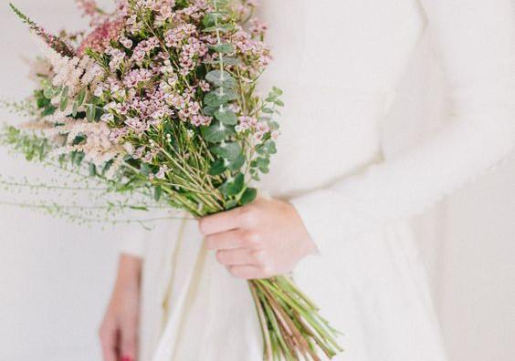 Bukiety ślubne z polnych kwiatów
