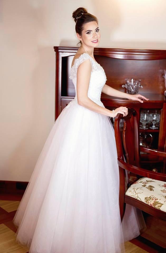 Suknia ślubne ADORA kolekcja BASILE model B07