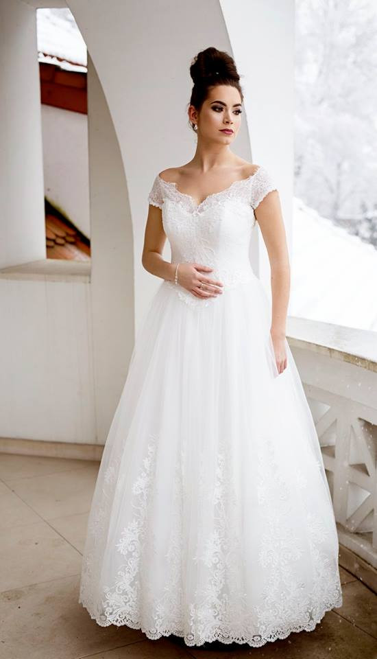 Suknia ślubne ADORA kolekcja BASILE model B18