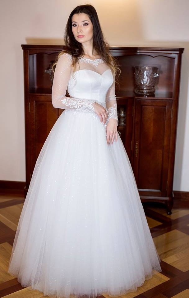 Suknia ślubne ADORA kolekcja BASILE model B06