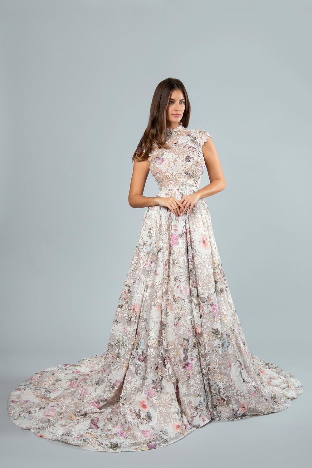 Suknia ślubna w kwiaty 2020