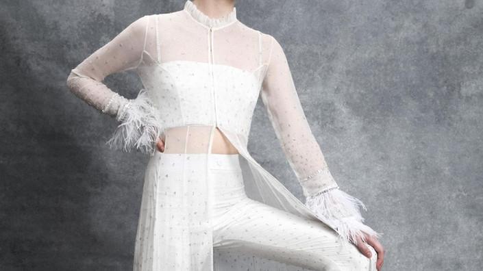Kombinezony i garnitury ślubne - kolejny trend na 2020 rok