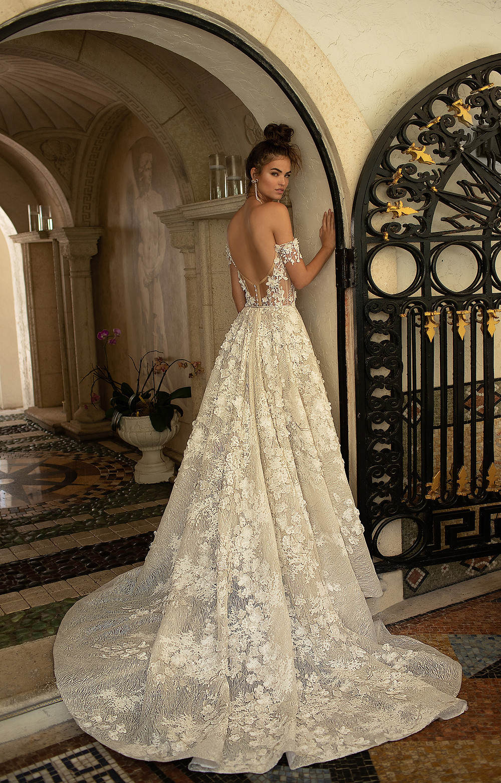 Berta Bridal 2019 / model 19-02