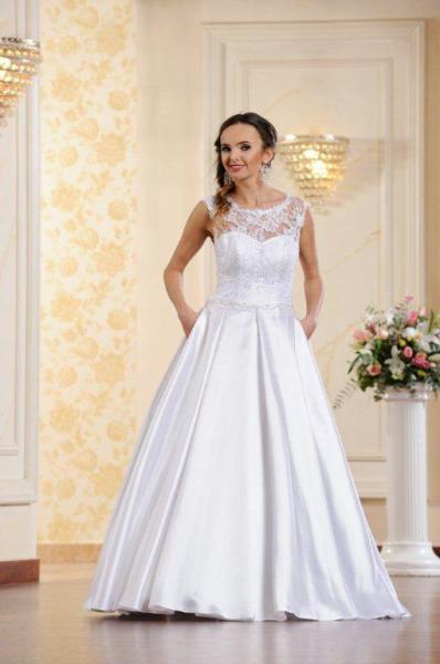 Suknia ślubna ADESSO 2016 model  Bianka
