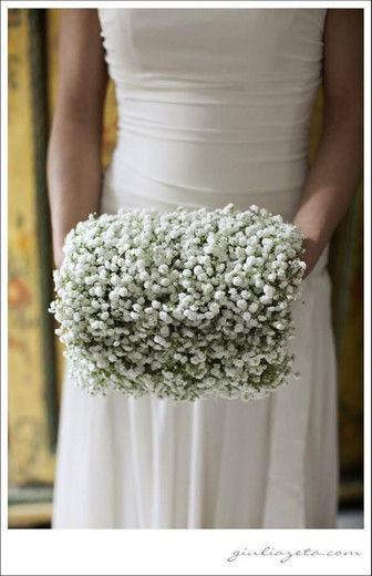 Urocza mufka do ślubu