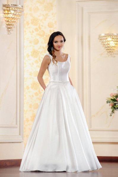 Suknia ślubna ADESSO 2016 model Enia