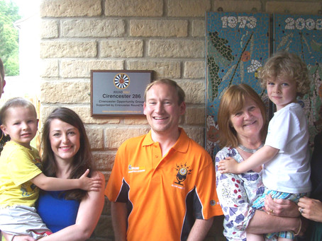 Cirencester Opportunity Group unveil a plaque thanking local Round Table