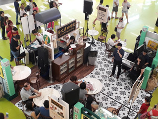 Retro live band at Clementi Kopitiam