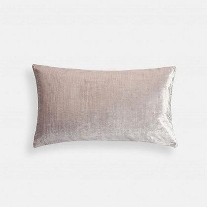 Sametový lesklý polštář