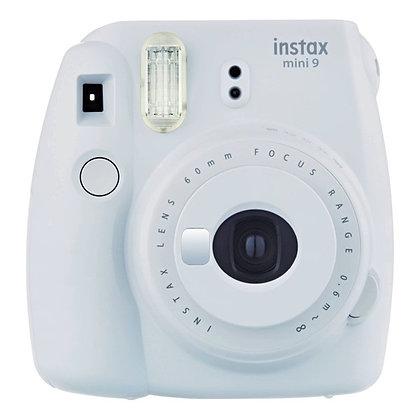 Bílý Instax fotoaparát