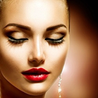 Holiday Seductive Look With Satin Laser Spa