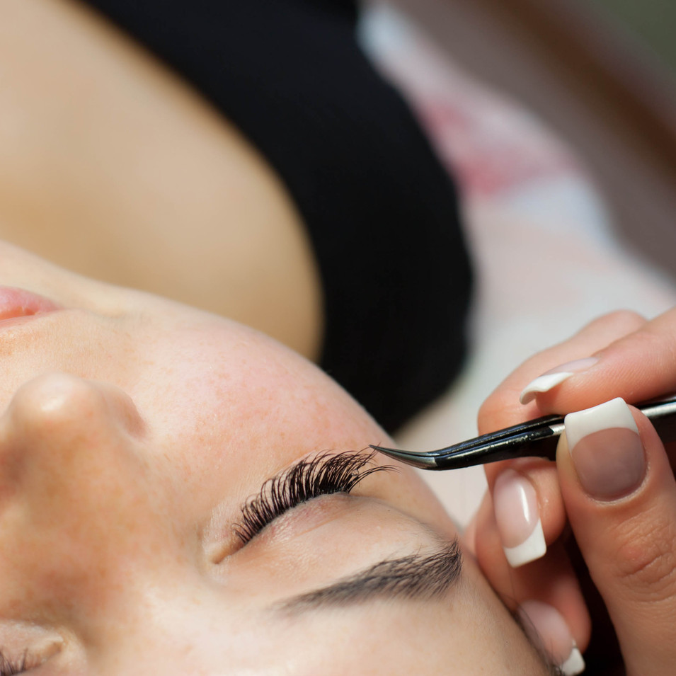 Lash Extensions Course  1 day duration  Course Price £295   Kit Included   Refreshments Provided