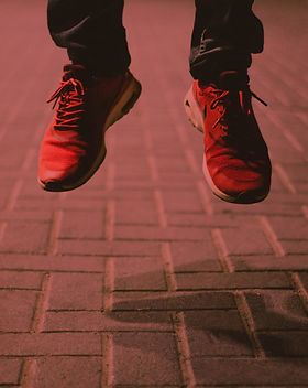 pair-of-red-running-shoes-966058_edited.