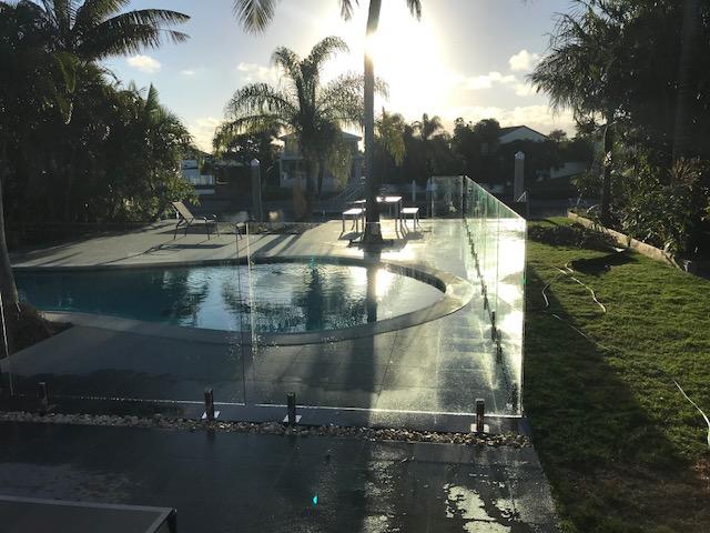 minyama glass pool fence1