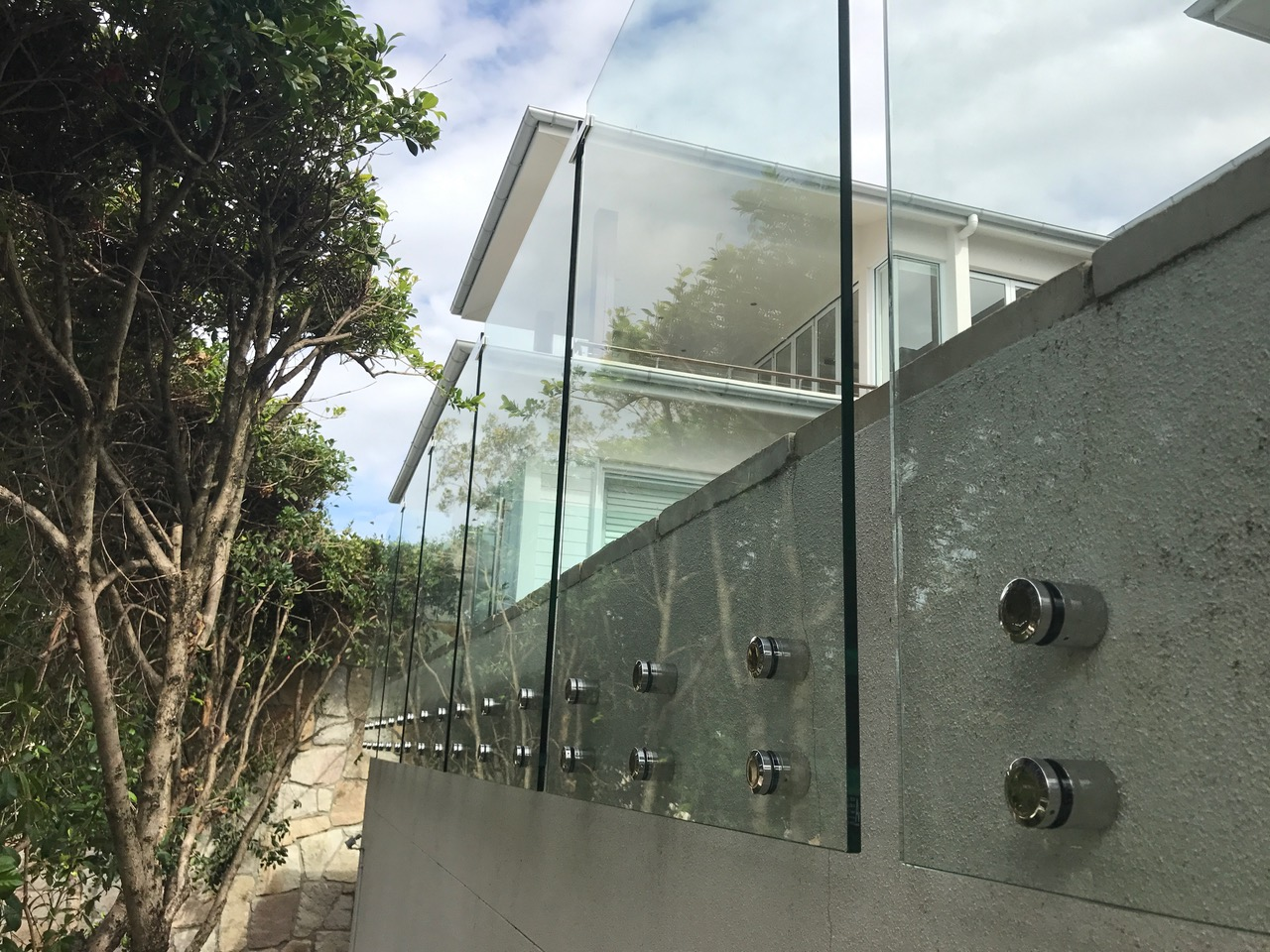 glass pool fencing pinning