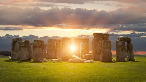 stonehenge-solstice2.jpg