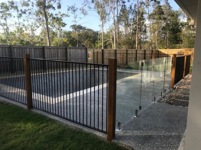 Noosa Glass Pool Fence