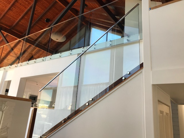 thumbnail_moffat beach balustrading glass