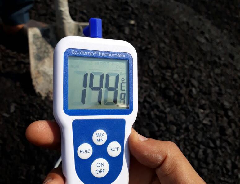 قياس درجة حرارة الأسفلت
