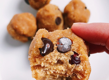 PEANUT BUTTER CHOCOLATE CHIP FREEZER BALLS