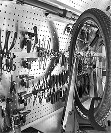 gobikeservice-home-2-bw.png
