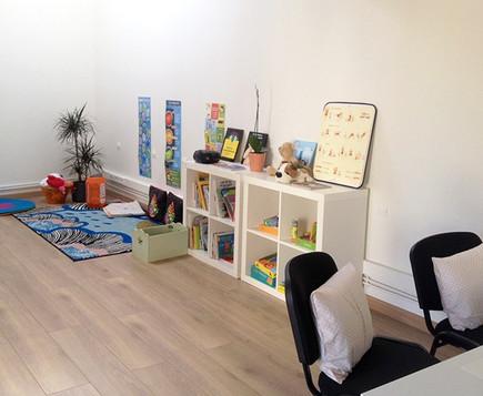 cabinet-arbre-bleu-poitiers-dietetique-nutrition-psychologie-enfants-ados-famille-mediation-animale-poitiers_edited.jpg