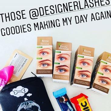 Designer lashes stocks and uses henna! _