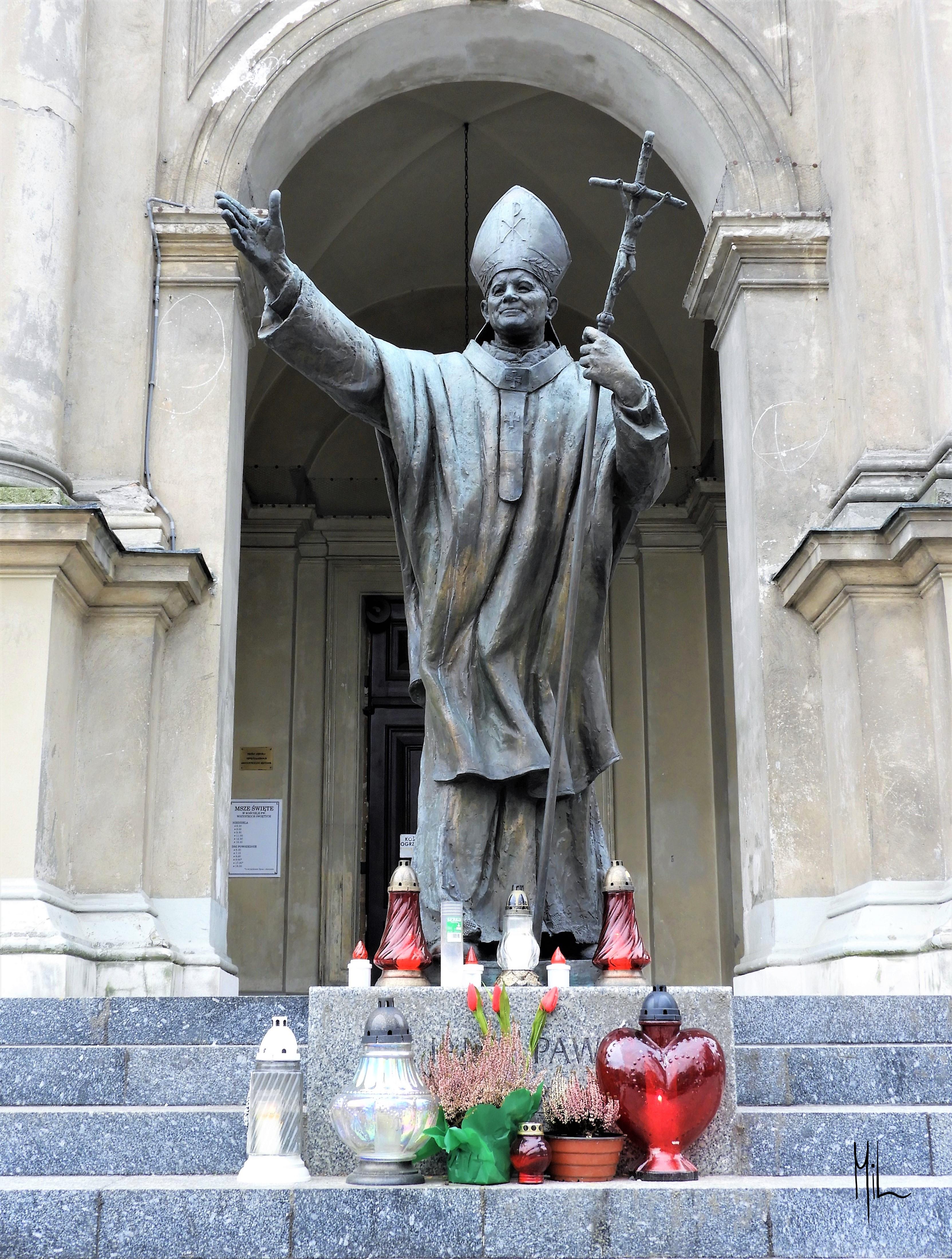 Statue av paven