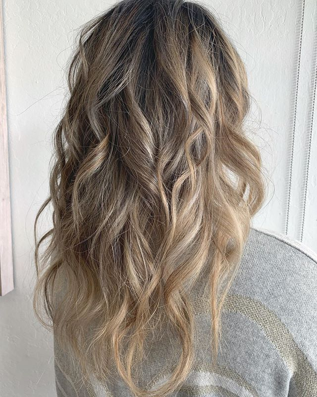 Hello Beautiful Fall Hair😍. . .