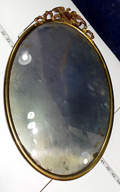 Oval Metal Frame with Patriotic Eagle Ornament On Top
