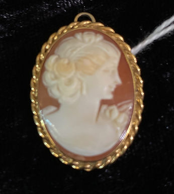 Cameo 14K Gold Brooch Pendant by CARLA