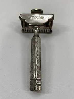 1912 Silver Gem Razor with Case