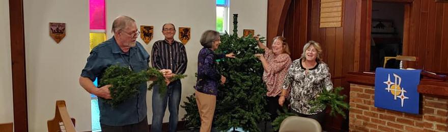 Decorating Church 12:2019.jpg