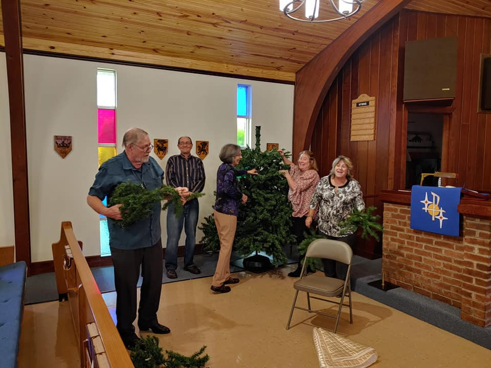 Decorating Church 12:2019.jpg