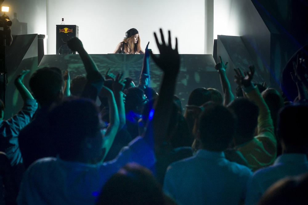 dj-ray-ray及時的旁敲側擊,自饒舌轉戰電子舞曲
