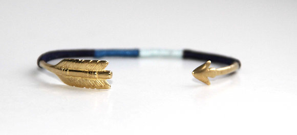 Chibi Jewels Arrow Cuff Blau Armspange