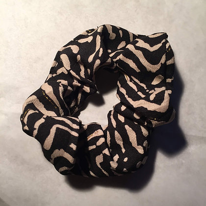 Lulu´s Salon Black Tiger Scrunchie